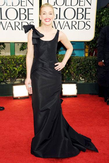 2011 Golden Globe Awards Piper Perabo wears Oscar de la Renta dress