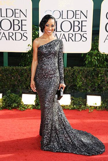 2011 Golden Globe Awards Shaun Robinson  dress identical to Jeniffer Carpenter