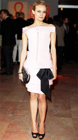 Diane Kruger In Chanel Spring 2011 Haute Couture Pink Dress