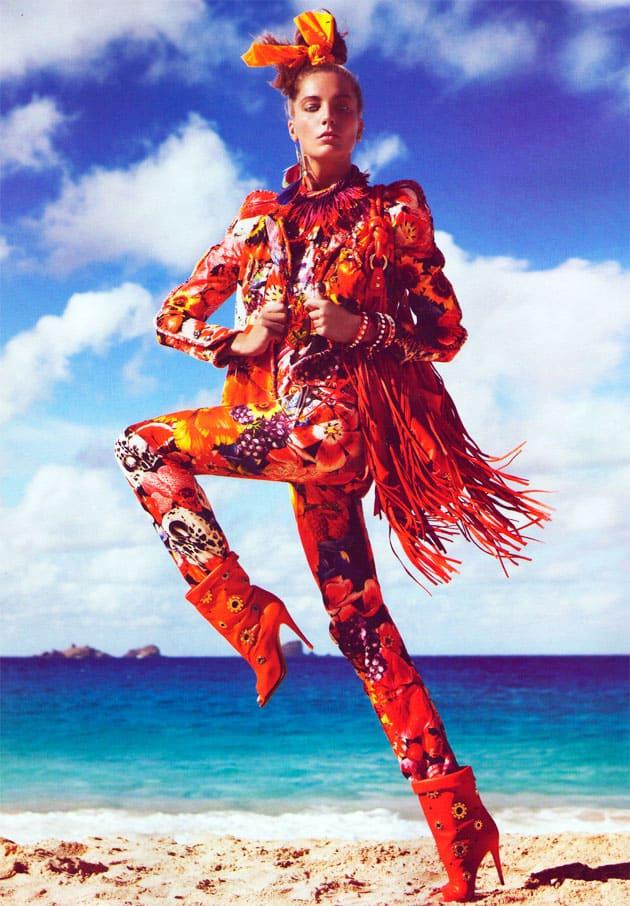 Daria Werbowy Vogue Paris March 2011 Pop Egerie Flowers And Fruit Print Wunderkind Suit